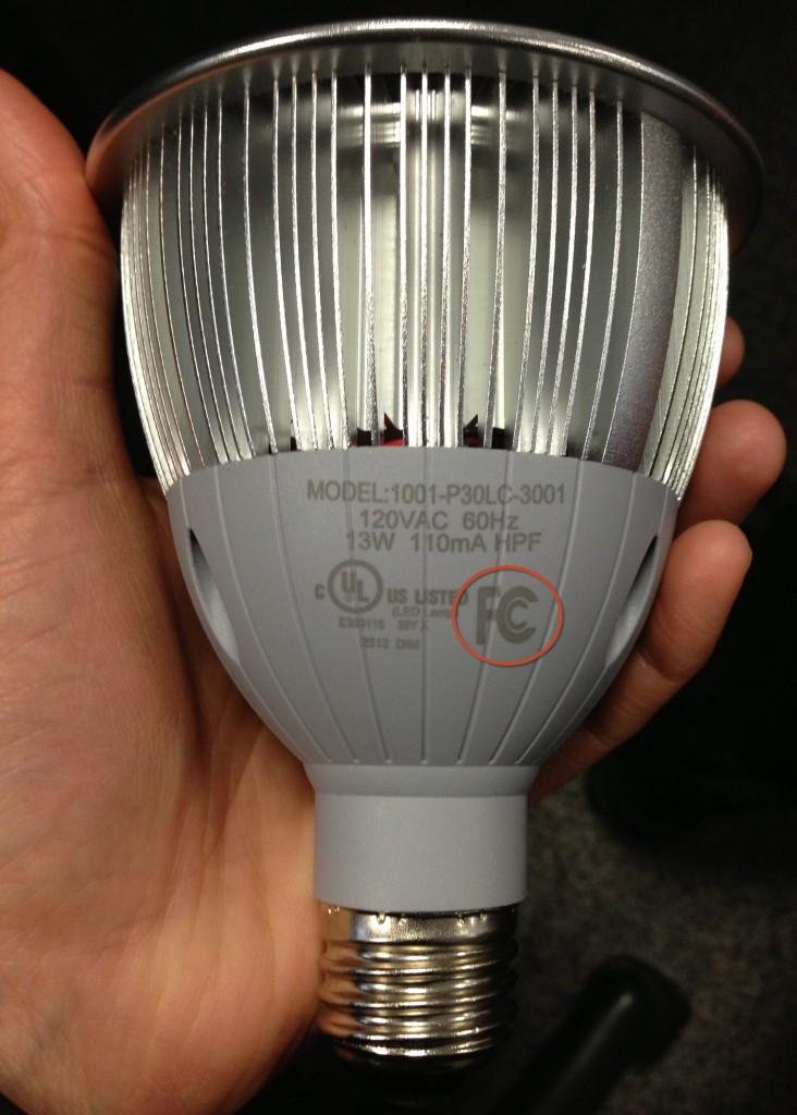 Leapfrog Lighting PAR30 lamp with FCC mark